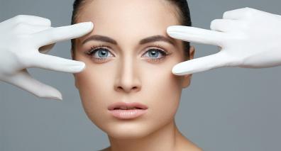 La blépharoplastie : entre laser et chirurgie que choisir ?