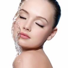 Mesolift ou skinbooster pour une peau rayonnante et revitalisée
